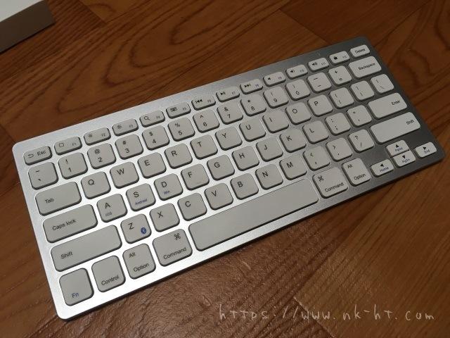 AnkerBluetoothウルトラスリムワイヤレスキーボードの本体表面