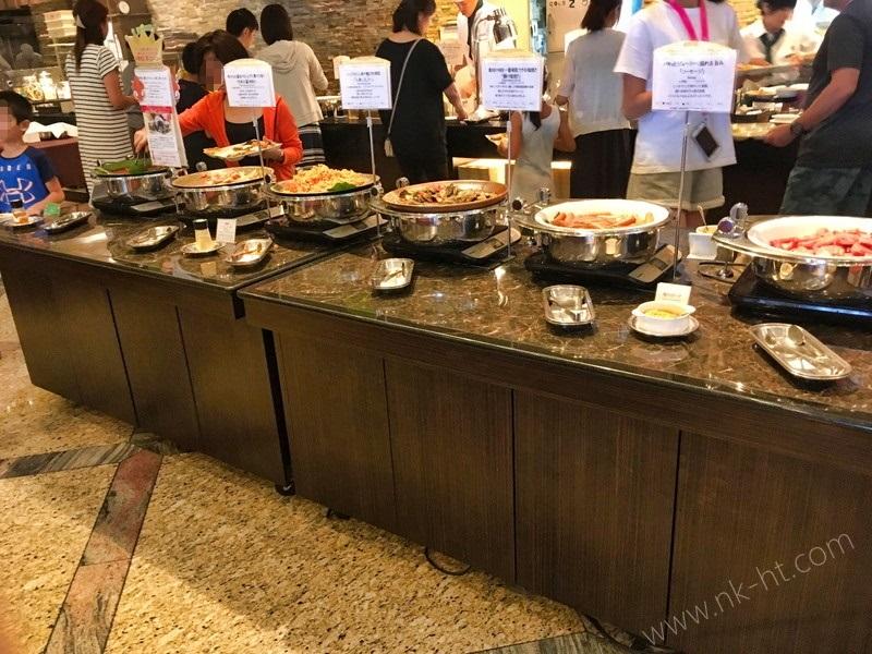 かりゆしアーバンリゾート・ナハの朝食ビュッフェは沖縄料理が多数あります